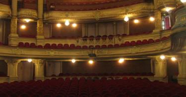 5 obras de teatro para disfrutar este verano - disfrutamaspormenos disfruta+por-