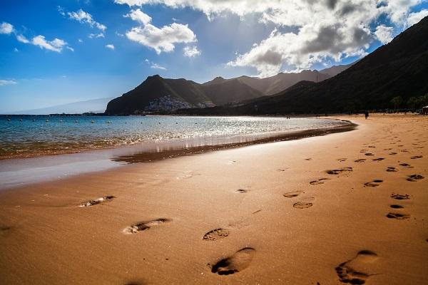 Disfruta más por menos Islas Canarias clima privilegiado playas patrimonio cultural aventura