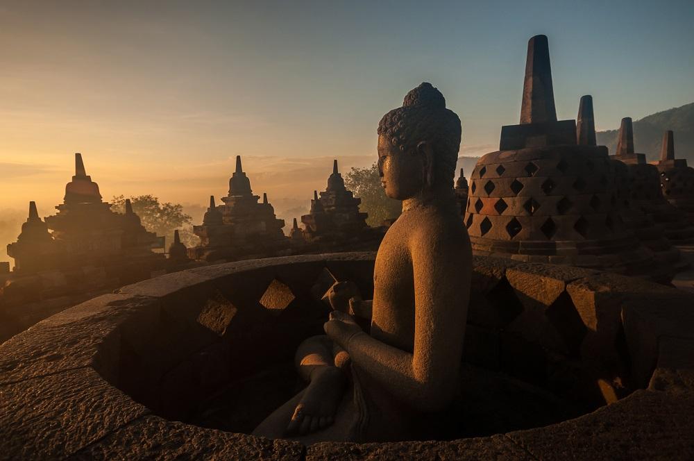 Si quieres conocer lugares inigualables y desconocidos, recorre con Disfruta más por menos el Templo de Borobudur