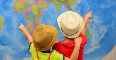 Conoce con Disfruta más por menos qué documentación debes llevar en tu equipaje si tienes previsto viajar con tus hijos